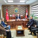 Dernek Yönetimi Arifiye Kaymakamı Bekir Dınkırcı'yı ziyaret etti